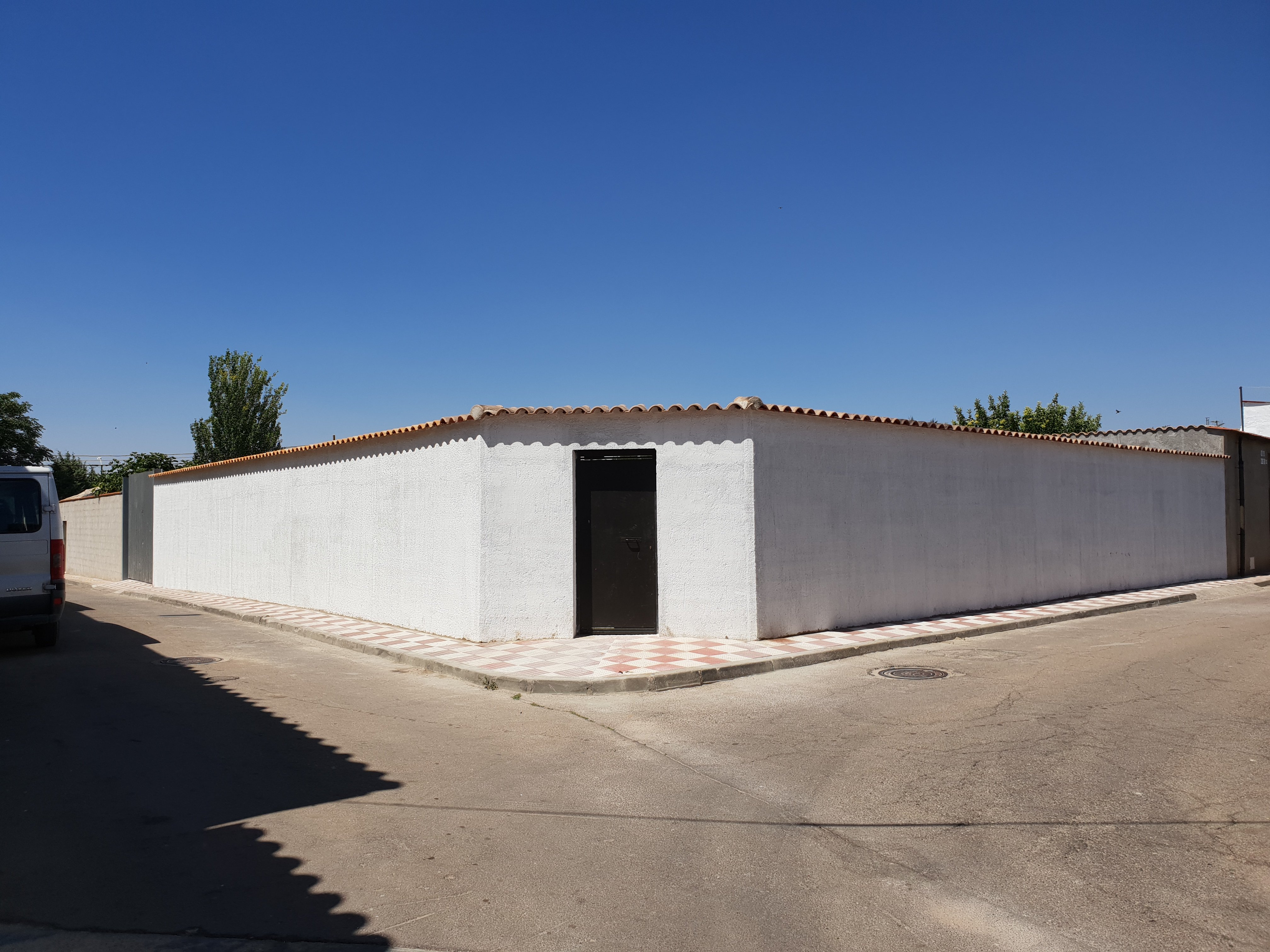 Venta de parcela en suelo urbano de 300 m2 en Arenas de San Juan (Ciudad Real)