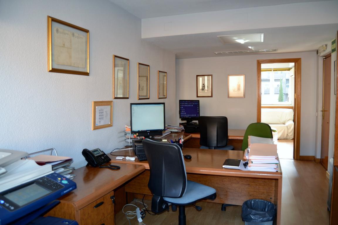 Oficina de 170 m2 en Calle Bravo Murillo (Plaza Castilla-Madrid)
